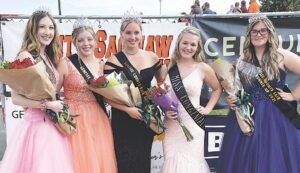 (Left, from left to right) 2021 Court Emily Meunier, 2019 Queen Morrigan Fifield, 2021 Queen Maddison Campbell, 2021 Miss Congeniality Gracie Plamondon and Court Morgan Patterson